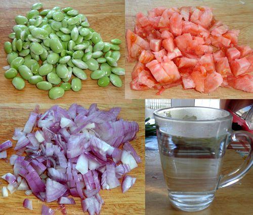 ...фасоль, помидоры, лук, вода
