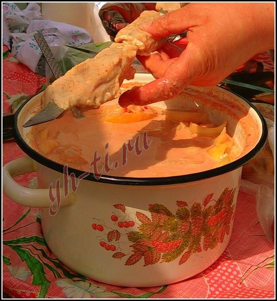 Скоро-скоро вкусный шашлык на томатном соке будет готов