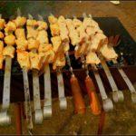Как замариновать и приготовить вкусный шашлык