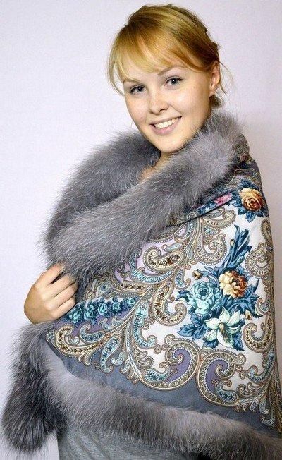 Очень теплая накидка из меха с ткани с платочной набивкой