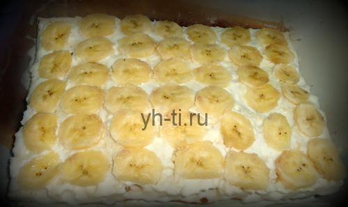Выкладываем банановые кружочки