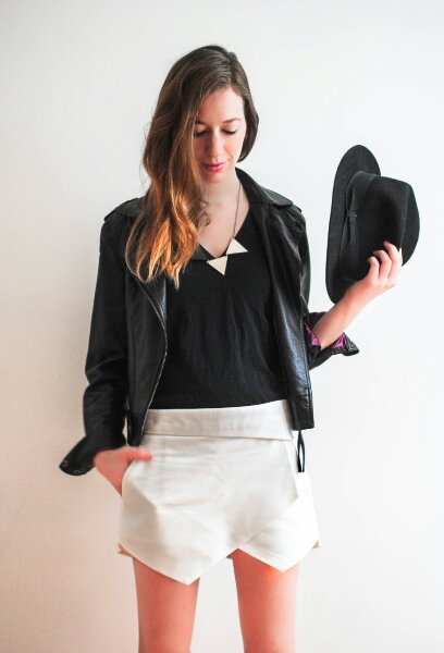 black-and-white-outfit-post